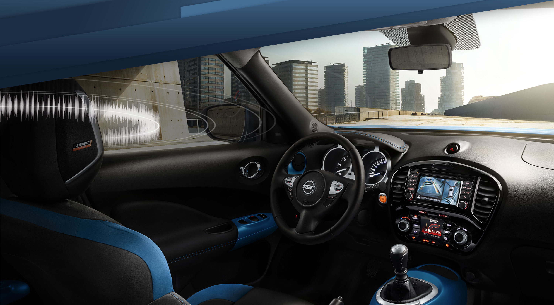 Панель приладів нового Nissan JUKE, поворот на 3/4, салон