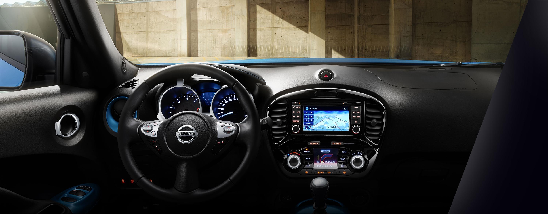 Панель приладів нового Nissan JUKE, салон спереду
